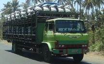 Hino truk tua yang kuat